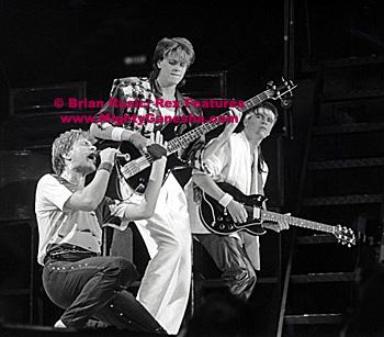 jack off vid guitarist Duran duran
